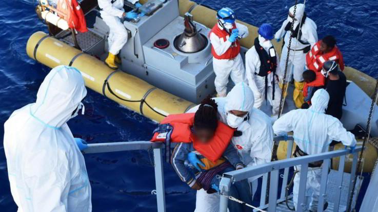 """Dl Sicurezza bis, fonti del Viminale: """"Sanzioni se si salvano vite in mare? Fake news"""""""