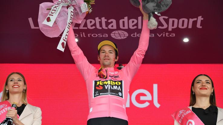 Giro d'Italia, la quarta tappa. A Frascati vince Carapaz. Il fotoracconto