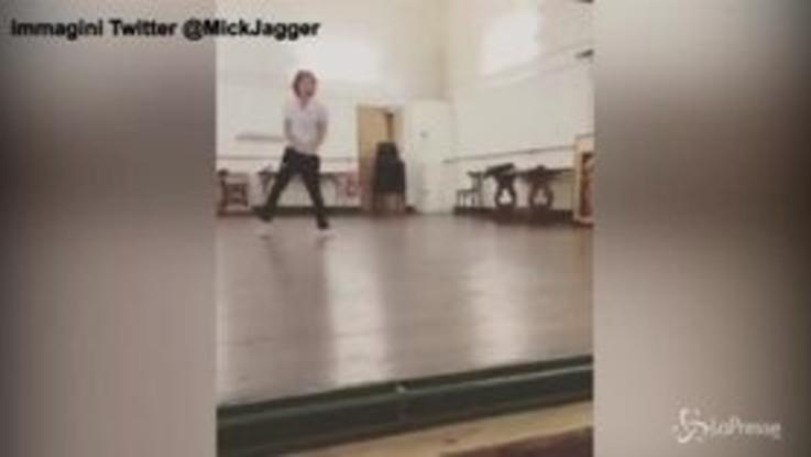 Mick Jagger già in forma a un mese dall'intervento al cuore: ecco le 'prove'