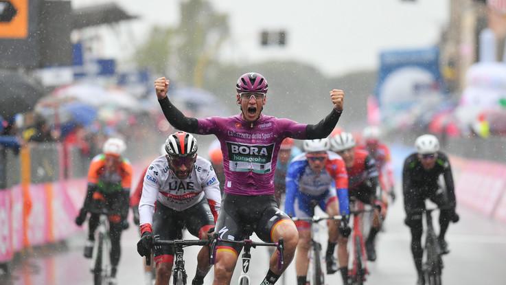 Giro d'Italia, a Terracina vince ancora il tedesco Ackermann