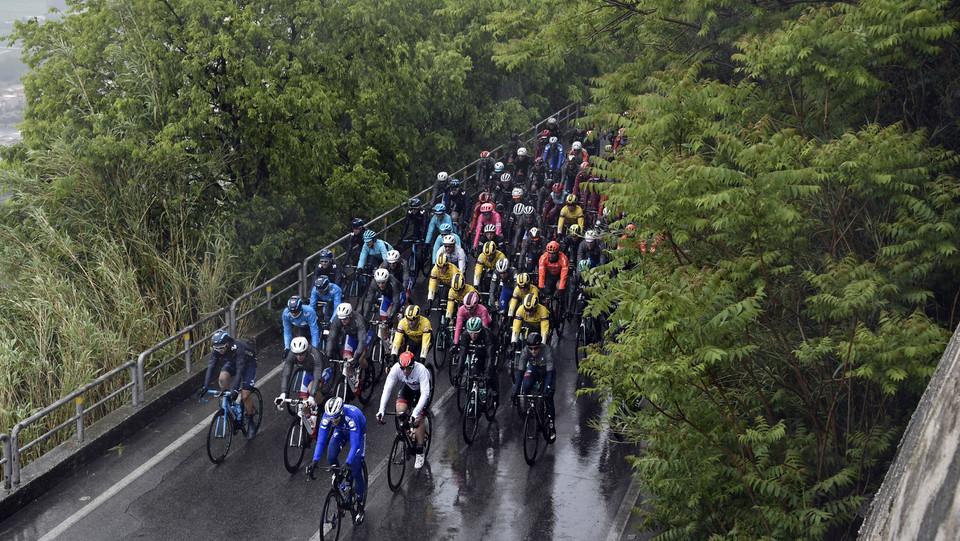 Il Giro sotto la pioggia da Frascati a Terracina ©