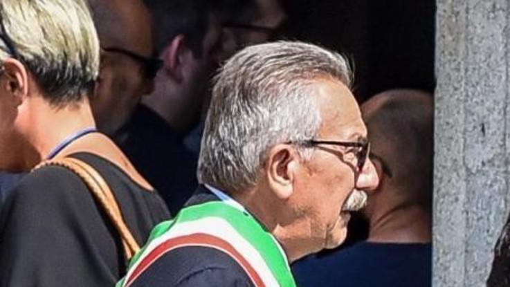 Tangenti, sospeso il sindaco leghista di Legnano. Arrestato insieme al vice e un'assessora