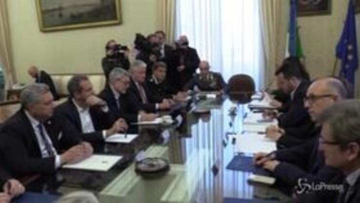 Napoli, Salvini in prefettura per comitato sicurezza: gelo con De Magistris