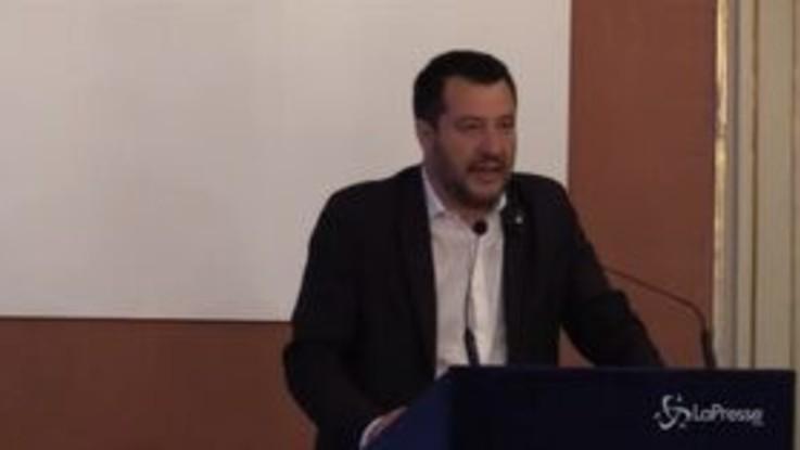 """Salvini a Napoli: """"Proporrò in Cdm piano di unità nazionale contro le mafie"""""""