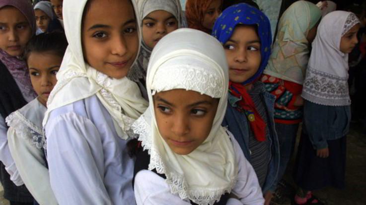 Austria, il governo vieta il velo islamico nelle scuole elementari
