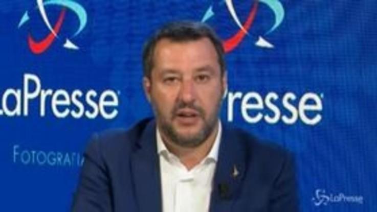 """Sea Watch, Salvini: """"Io il porto non lo do, spero che nessuno nel governo faccia pressioni"""""""