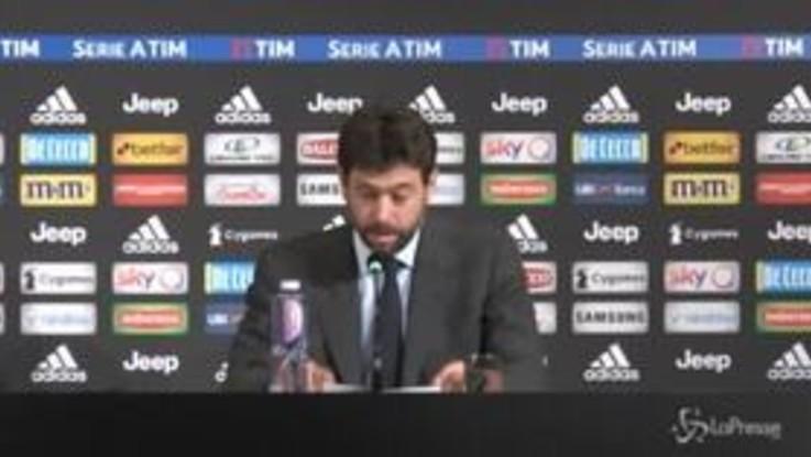 Juventus, Agnelli abbraccia Allegri e gli regala una maglia speciale