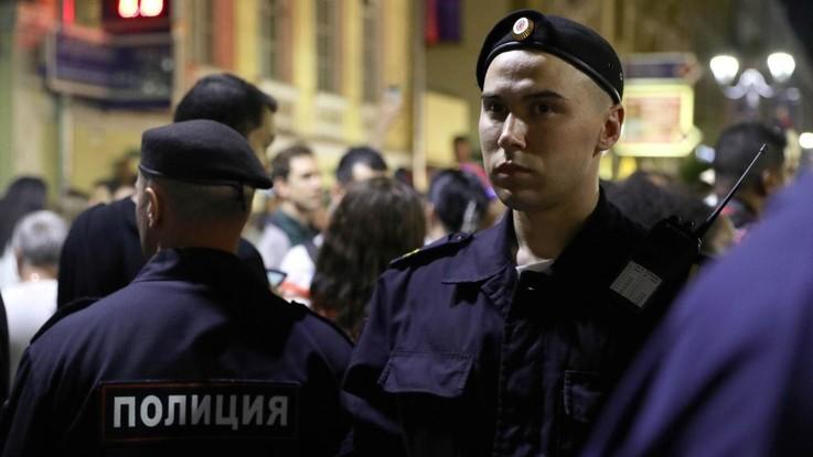 Russia, allarme bomba: evacuato aeroporto di Sochi, ispezione in corso