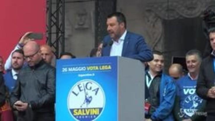 """Raduno sovranisti a Milano, Salvini: """"Se serve, darò la vita per voi e per il Paese"""""""