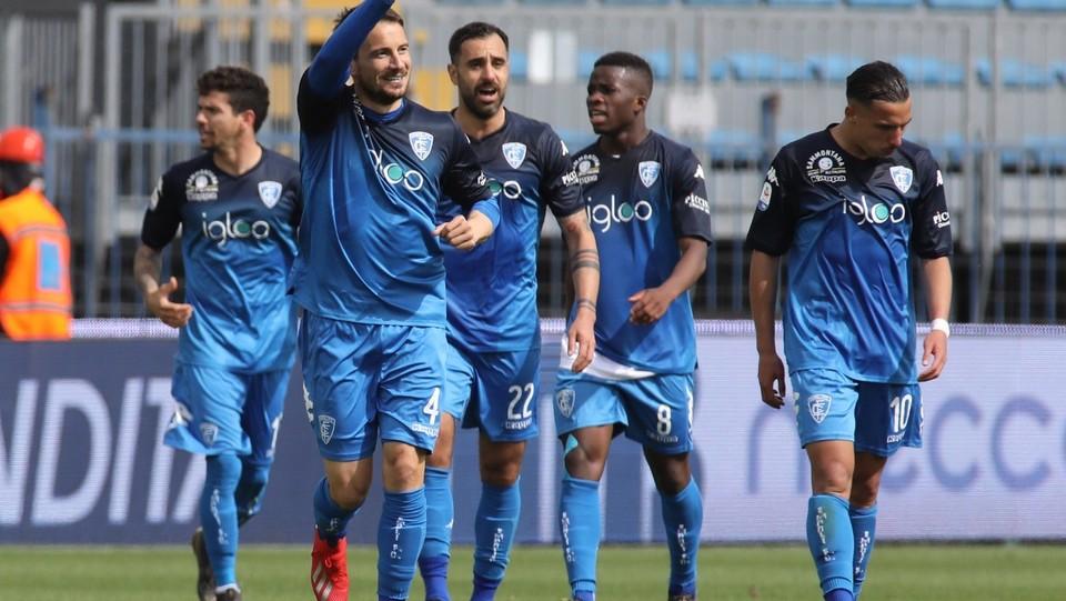 Matteo Brighi (Empoli) esulta dopo aver segnato il gol del 2-1 ©