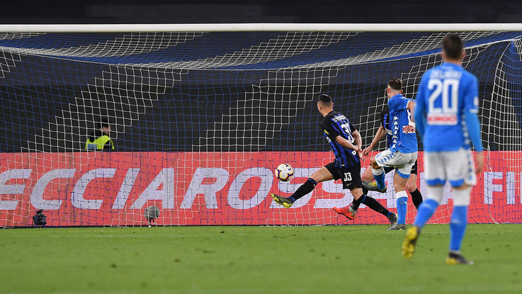 Psicodramma Inter, travolta (4-1) dal Napoli. Champions a rischio