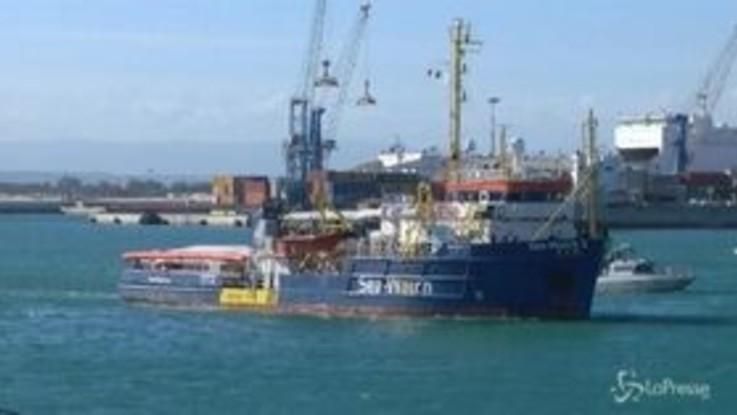 Sea Watch, Procura ordina sbarco a Lampedusa: ira di Salvini
