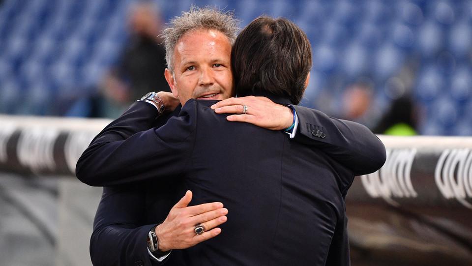 L'abbraccio tra Mihajlovic ed Inzaghi ©