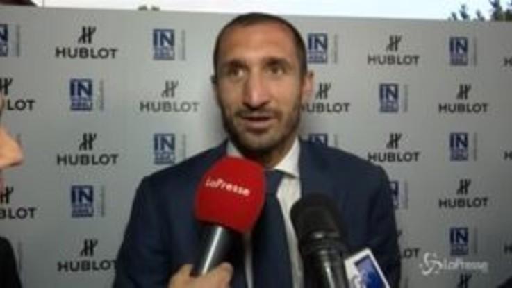 """Chiellini scherza sul possibile arrivo di Sarri: """"Il prossimo allenatore? Hai detto Sacchi?"""""""