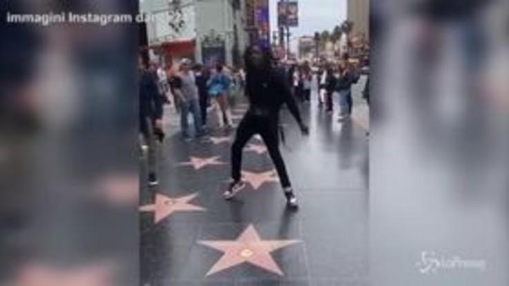 Il ballerino di strada omaggia Michael Jackson: la danza scatenata è virale