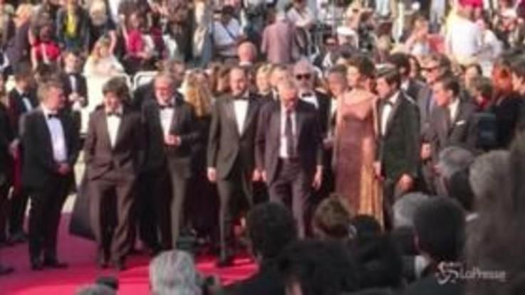 """Cannes, red carpet per Favino e il cast di """"Il traditore"""""""