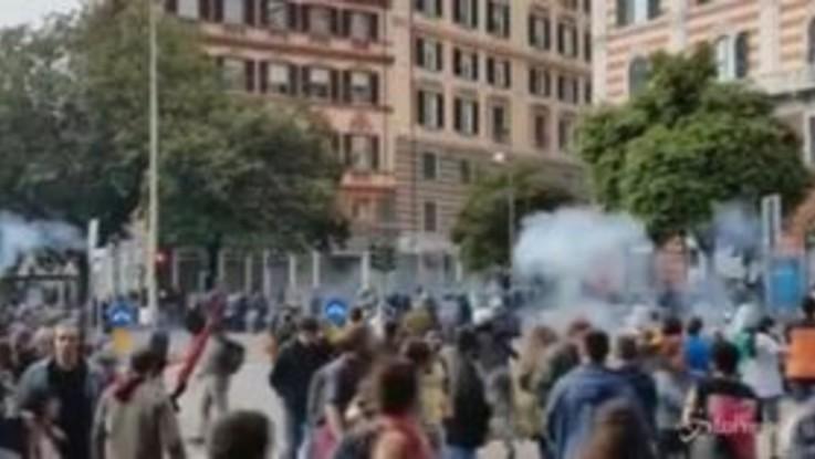 CasaPound a Genova, cronista picchiato da polizia