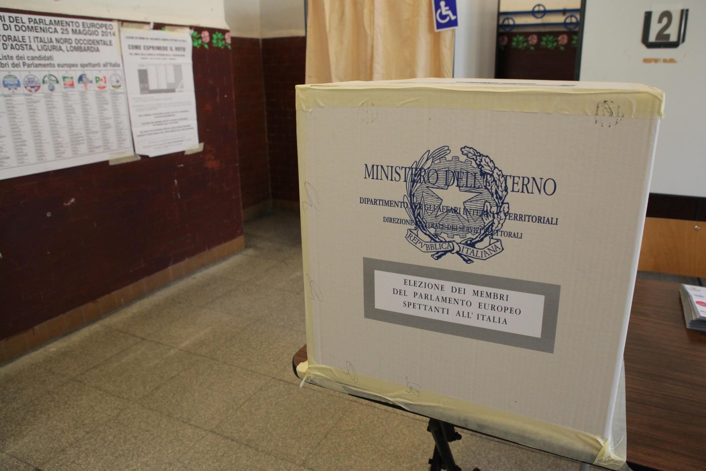 Domenica urne aperte (7-23) per le elezioni europee. Da eleggere 73 deputati