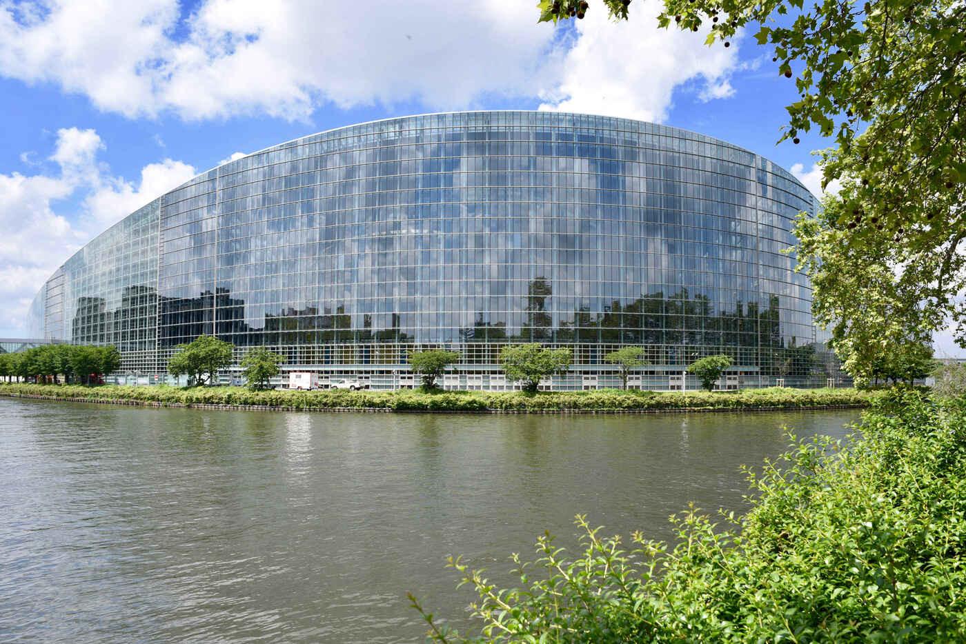 I numeri, i segreti e le manovre del Parlamento di Strasburgo