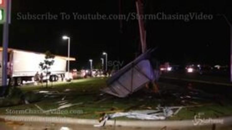 Oklahoma: tornado distrugge hotel, le immagini del disastro