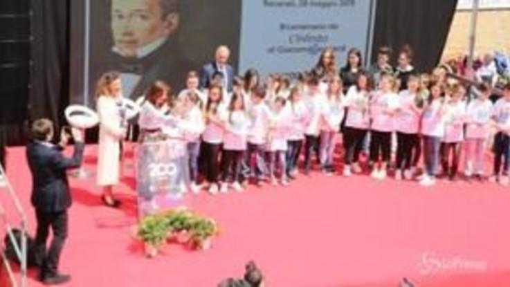 L'Infinito compie 200 anni: il ministro Bussetti recita la poesia con gli studenti a Recanati