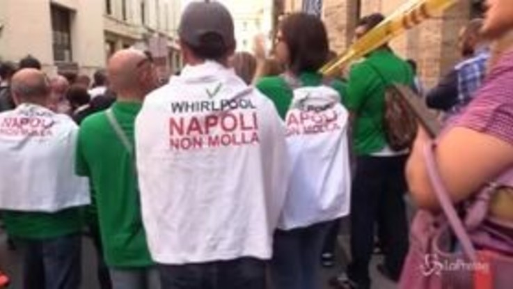 Mise, presidio operai dello stabilimento Whirlpool di Napoli
