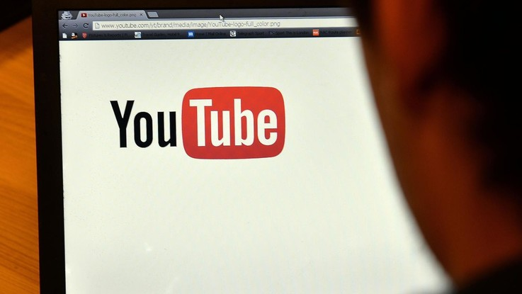 Youtube vieta video che promuovono razzismo e negano Olocausto