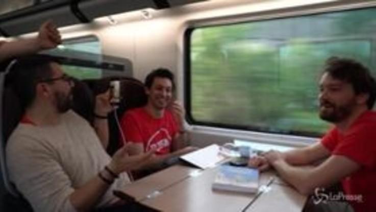 Lo Stato Sociale lancia il nuovo singolo dai vagoni delle metropolitane italiane