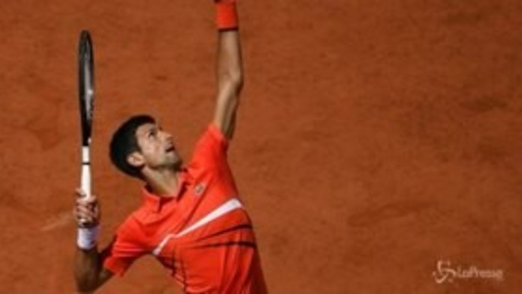 Roland Garros, Djokovic in semifinale, sfiderà Thiem