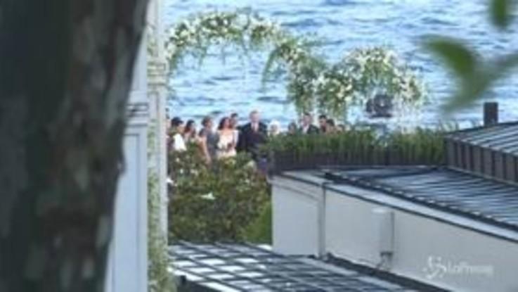 Özil si sposa con Miss Turchia, Erdogan testimone. Le nozze sulle rive del Bosforo