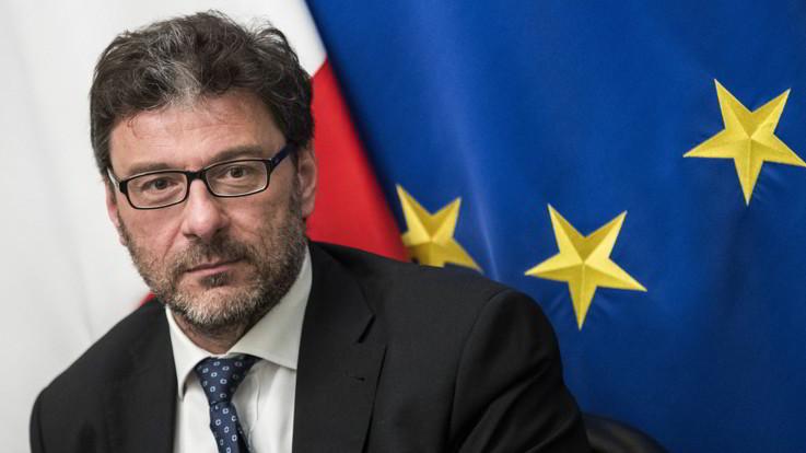 """Mini-bot, Giorgetti insiste ma gli industriali frenano. Salvini e Di Maio: """"Debiti della Pa vanno pagati"""""""