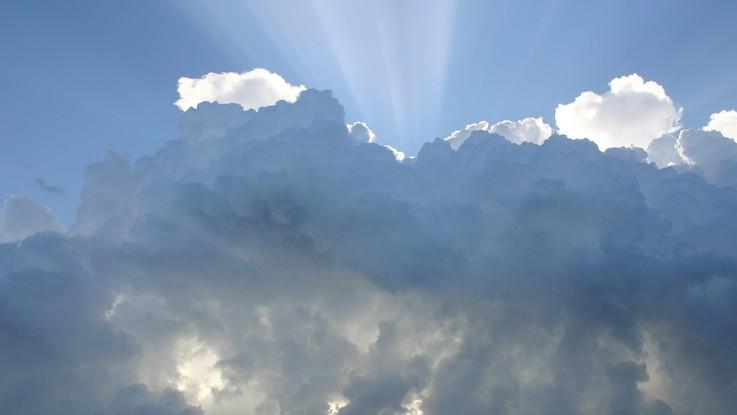 Nuvole e pioggia al Nord, bel tempo al Sud: il meteo del 9 e 10 giugno