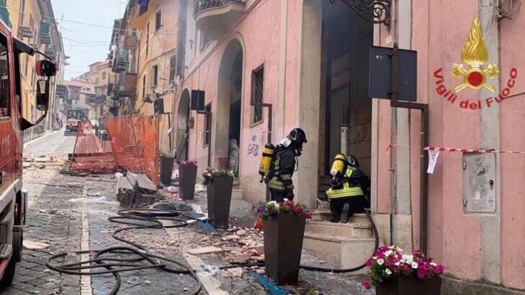 Esplosione in palazzo a Rocca di Papa: bimbo ferito gravemente