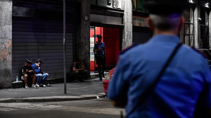 Ha difeso la madre davanti a una pistola il ragazzino ferito a Milano