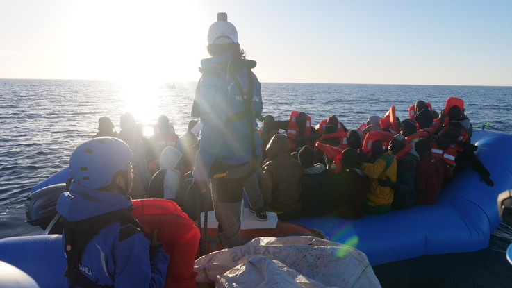 Migranti, barcone naufraga davanti a Lesbo: almeno 6 morti