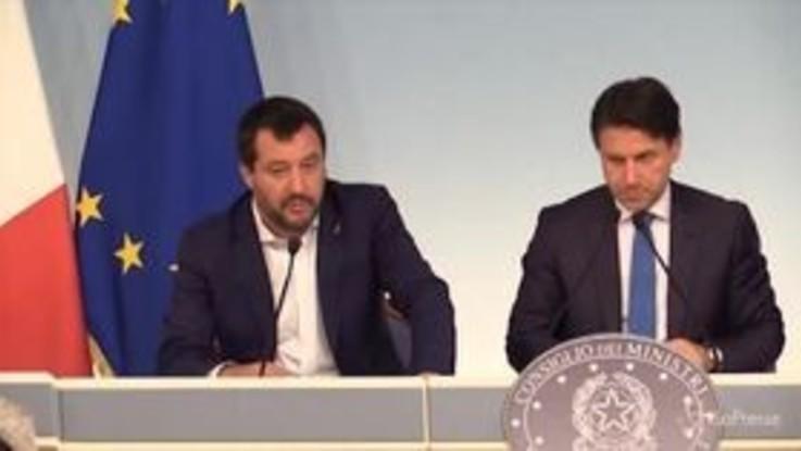 """Legittima difesa, Salvini: """"Sto sempre con l'aggredito, il mestiere del rapinatore è rischioso"""""""