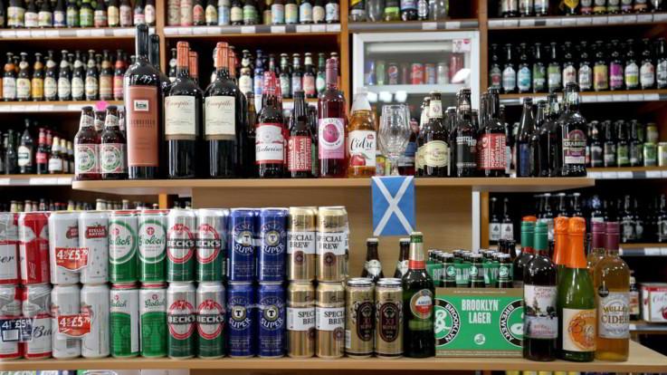 Contrabbando di alcolici in 17 Paesi: frode da 80 milioni, 20 misure cautelari