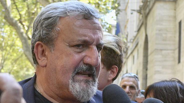 Puglia, il governatore Emiliano indagato per abuso d'ufficio