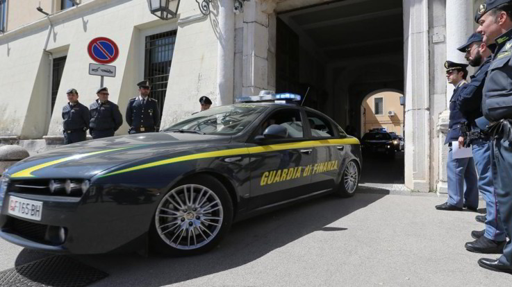 Arrestato il finanziere Alessandro Proto: truffa a una donna malata