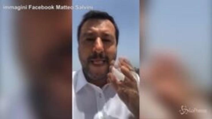 """Salvini: """"Non commento indagini e arresti, anche Emiliano è indagato ma io non festeggio"""""""