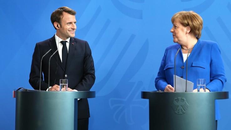 Macron lancia a sorpresa il nome di Merkel per la presidenza della Commissione Ue