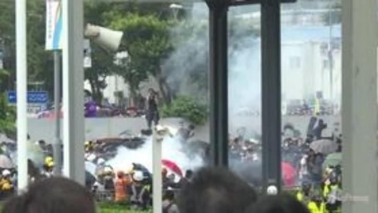 Hong Kong, slitta l'esame della legge sulle estradizioni