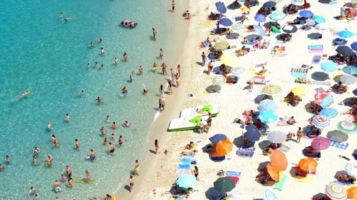 Turismo: calano le prenotazioni in Italia. E' la prima volta da 5 anni