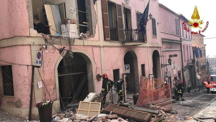 Esplosione a Rocca di Papa: si aggravano le condizioni del sindaco
