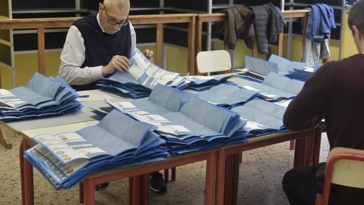 Sardegna al voto per le comunali. Urne aperte a Cagliari, Sassari e Alghero