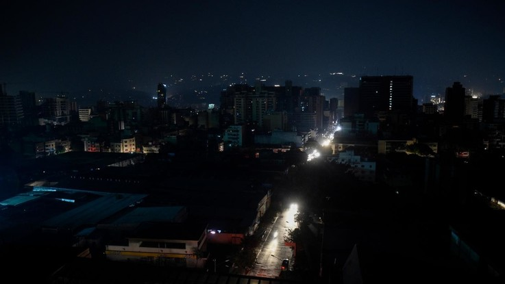 Maxi blackout in Sud America: senza luce Argentina e Uruguay