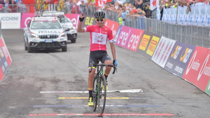 Giro d'Italia U23: favoloso Ardila. Domina il Passo Maniva e si conferma in rosa