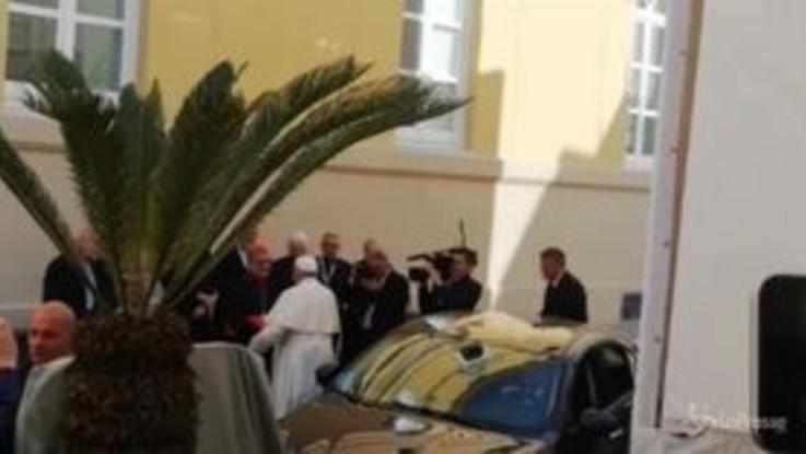 """Il Papa a Napoli: """"Dialogare con Islam ed ebraismo per convivenza pacifica"""""""