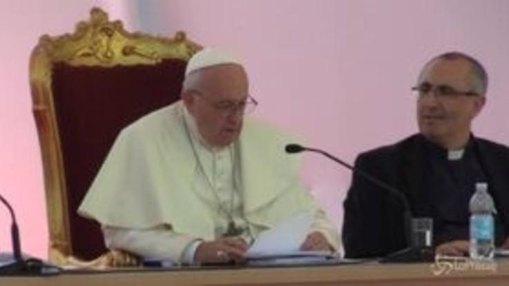 """Napoli, Papa Francesco: """"Dialogo con ebraismo e Islam per comprendere radici comuni e differenze"""""""