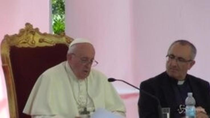 """Napoli, il Papa: """"Mediterraneo mare del meticciato, chiusura nasce dalla paura"""""""